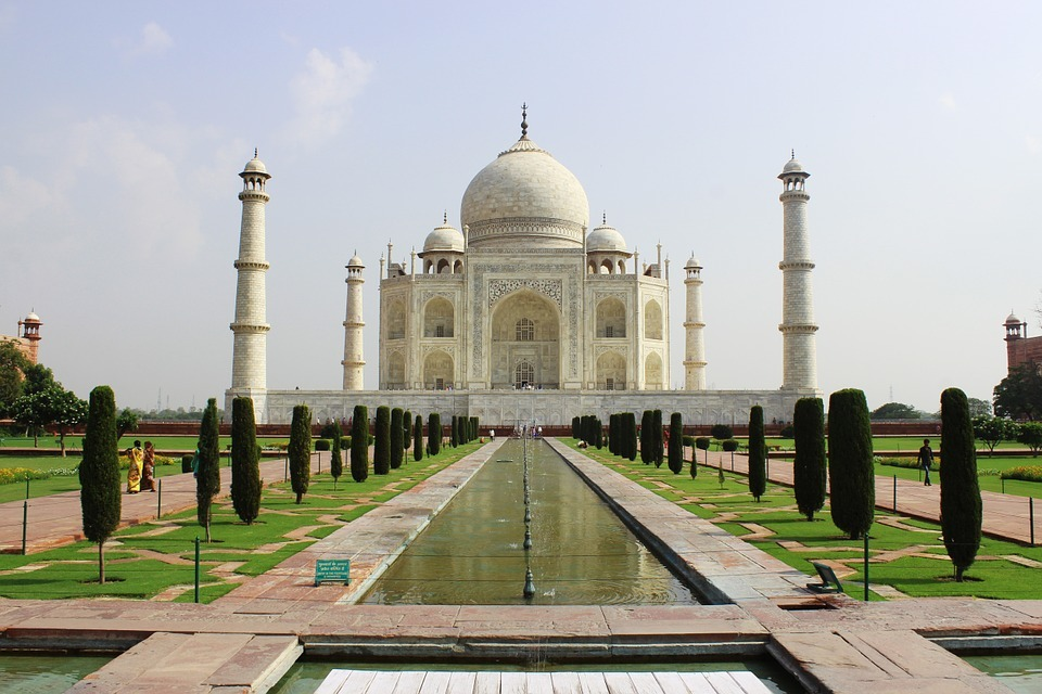 Visit the Taj Mahal on a solo travel vacation